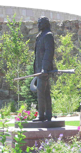 Cody_statue_at_buffalo_bill_historical_center